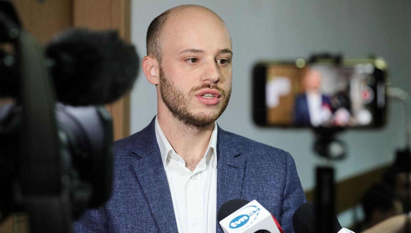 TVN24 nie wyemitował gotowego reportażu o Janie Śpiewaku (fot. PAP/Paweł Supernak)
