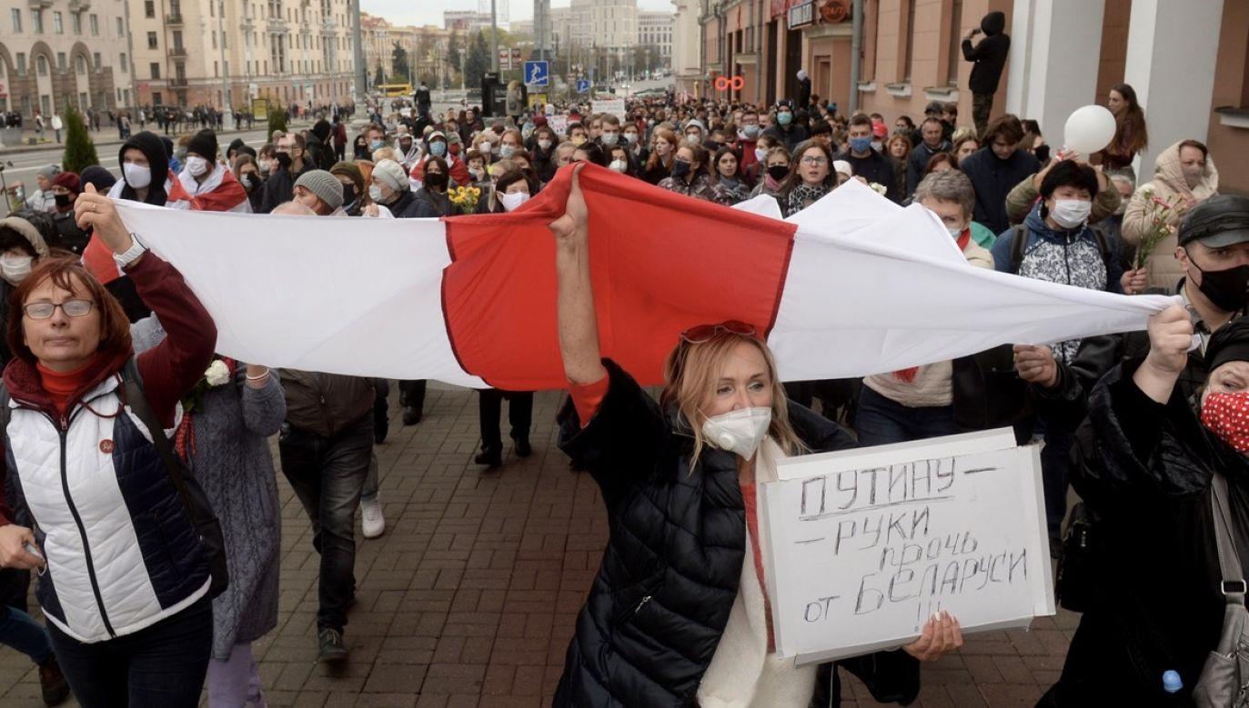Swiatłana Cichanouska zapowiadała ogólnokrajowy strajk, jeżeli do niedzieli włącznie Łukaszenka nie spełni trzech żądań (fot. PAP/EPA/STRINGER)