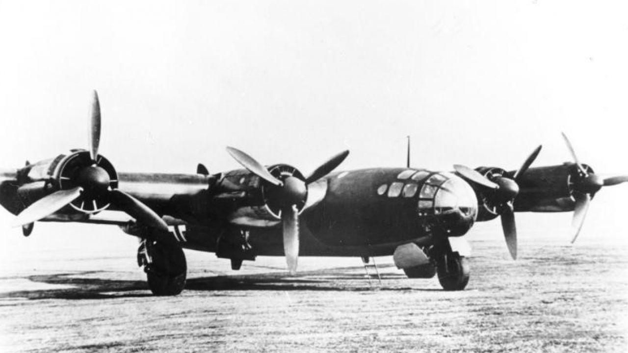 Prototyp samolotu Messerschmitt Me 264, mogącego w założeniu przeprowadzać naloty na USA (fot. Bundesarchiv, Bild 146-1989-039-16A / CC BY-SA 3.0 DE)
