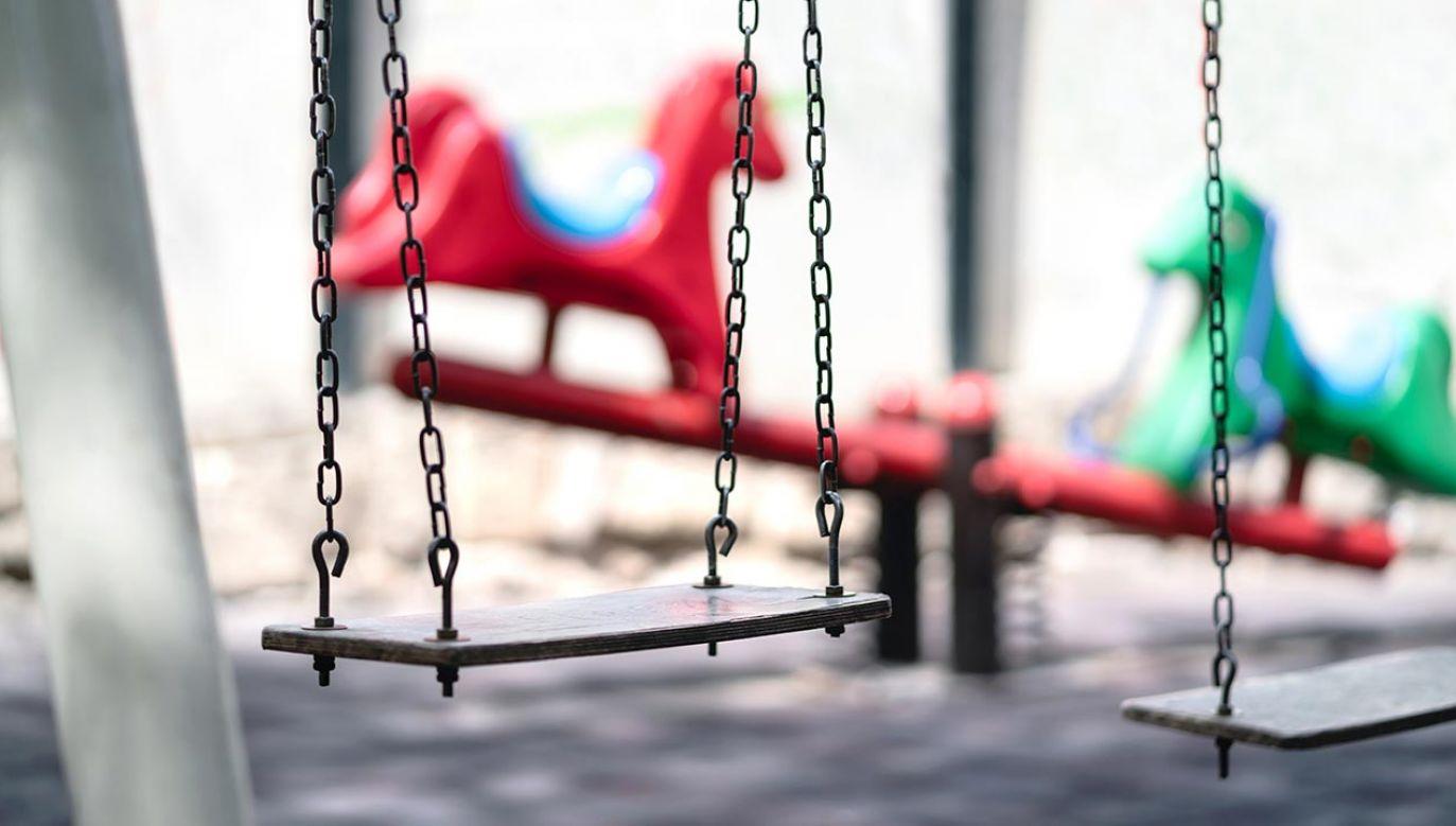 Dzieci wykorzystane seksualnie nie dostają pomocy (fot. Shutterstock/Tero Vesalainen)
