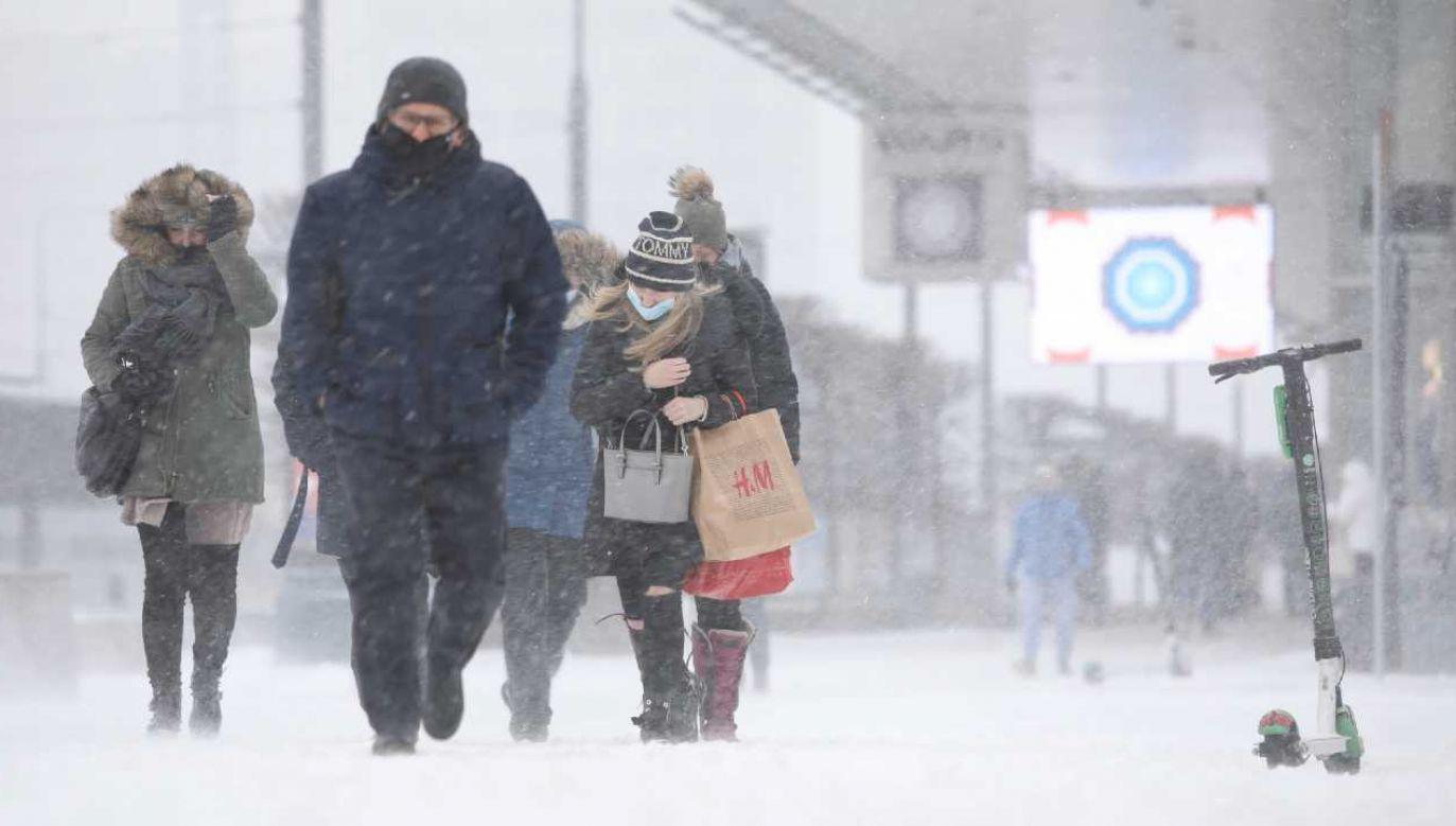 Zima jeszcze będzie dawać się we znaki (fot. PAP/Leszek Szymański)
