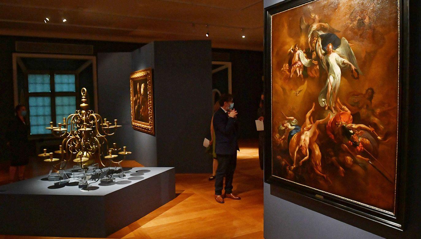 Dzieła Rembrandta w Zamku Królewskim w Warszawie (fot. PAP/Radek Pietruszka)