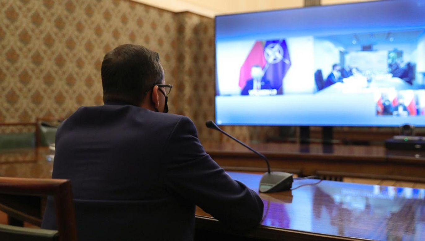 W rozmowie bierze udział zdalnie premier Mateusz Morawiecki (fot. Adam Guz/KPRM)