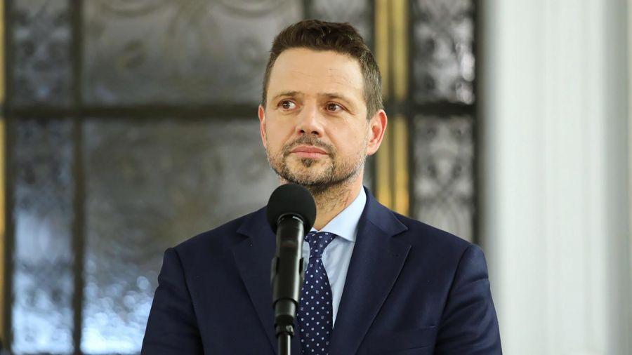 """Rafał Trzaskowski powiedział, że w tym momencie nie chce się tym zajmować, bo """"nie chce wpisać tej dyskusji w kampanię wyborczą"""" (fot. PAP/Tomasz Gzell)"""