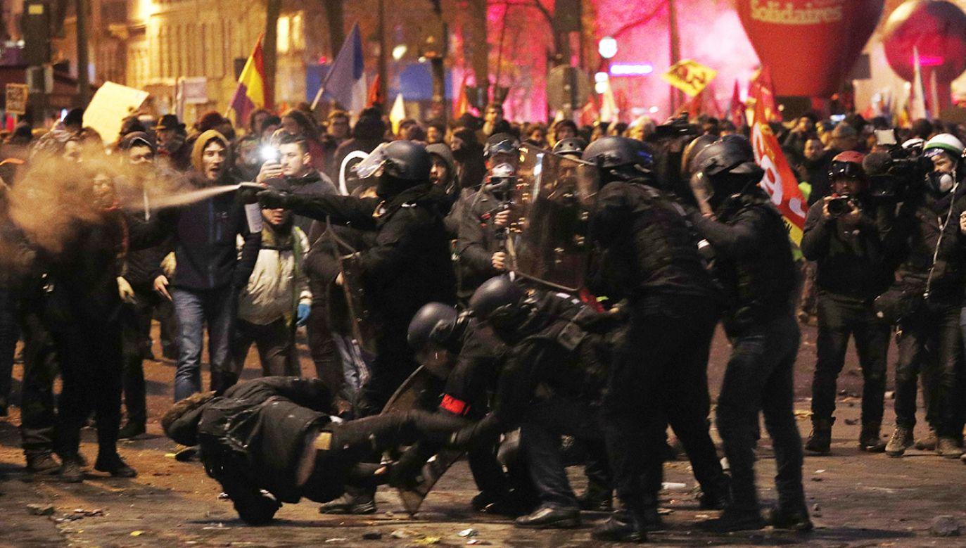 Łącznie w całej Francji zorganizowano 245 manifestacji (fot. PAP/EPA/YOAN VALAT)