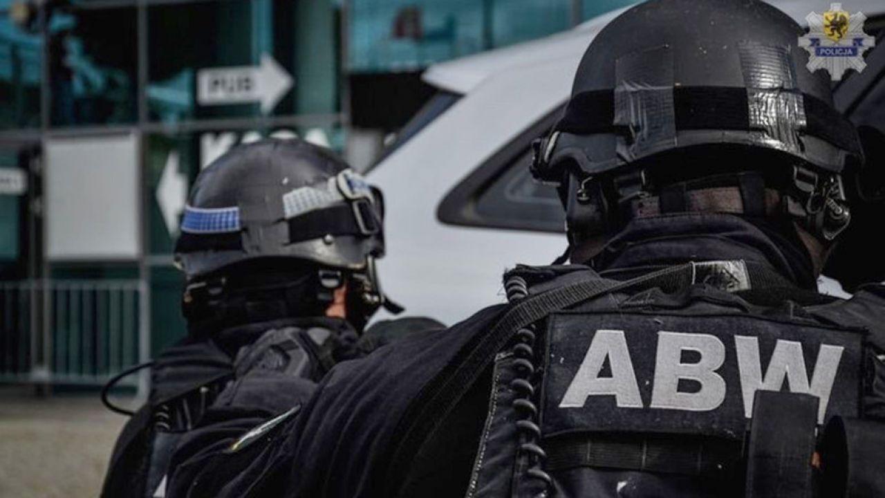 Portal tvp.info ustalił, że obu mężczyzn w zeszłym tygodniu zatrzymali funkcjonariusze ABW (fot. policja.pl)