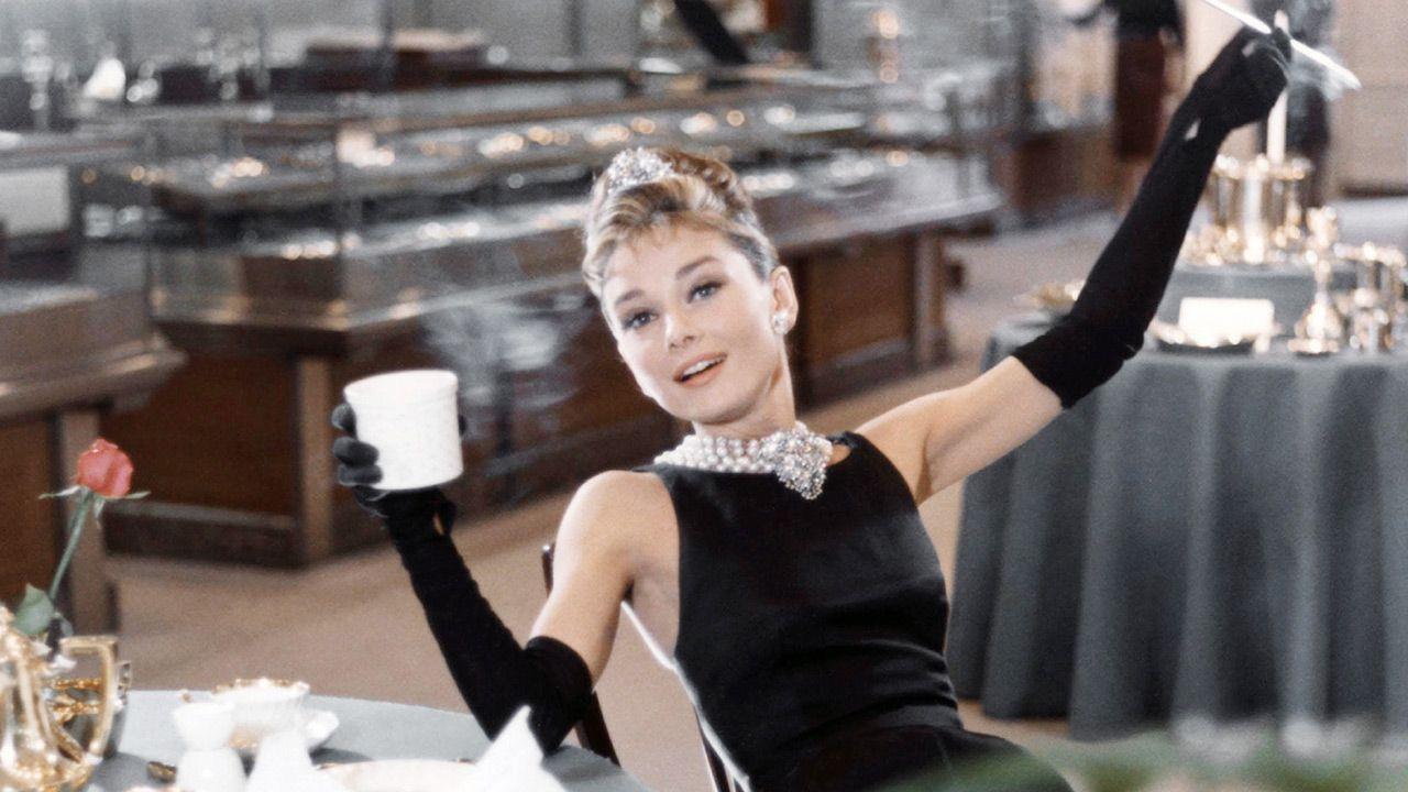 Według syna Audrey Hepburn aktorka nie była pewna swojego wyglądu (fot. Donaldson Collection/Michael Ochs Archives/Getty Images)