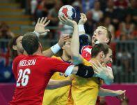 To była twarda walka o półfinł olimpijskiego turnieju szczypiornistów (fot.Getty Images)