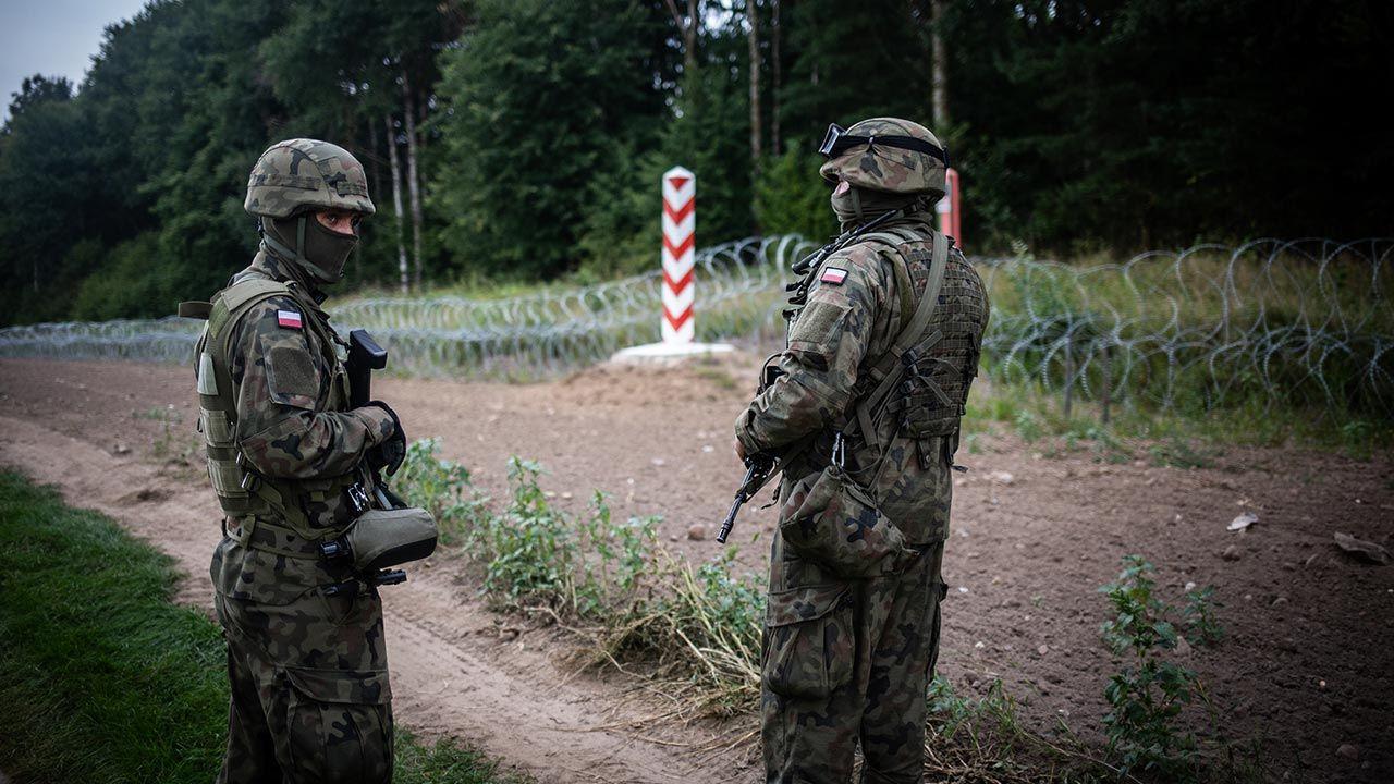 Od 2 września w przygranicznym pasie z Białorusią obowiązuje stan wyjątkowy (fot. Maciej Moskwa/NurPhoto via Getty Images)