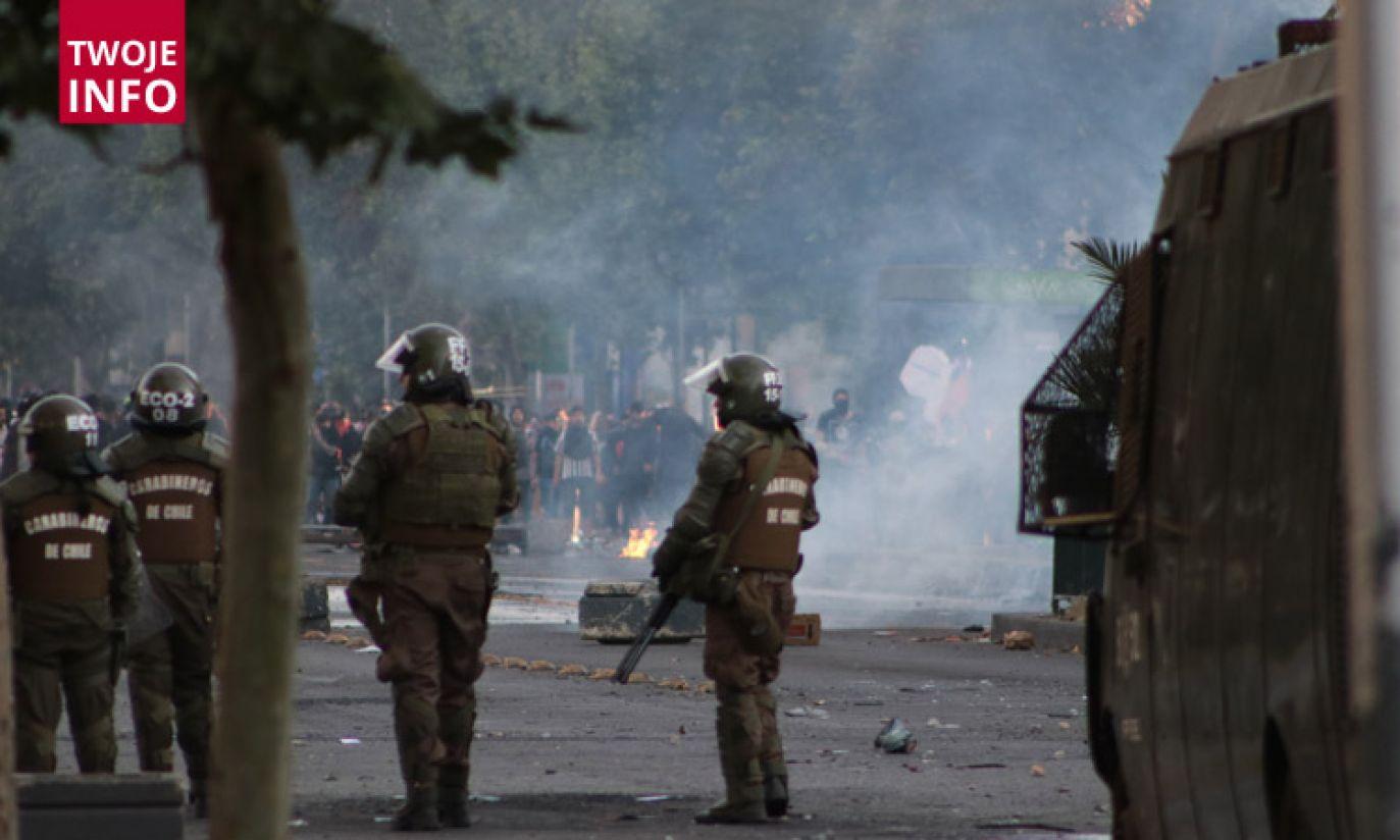 Na ulicach Santiago protestują tysiące ludzi