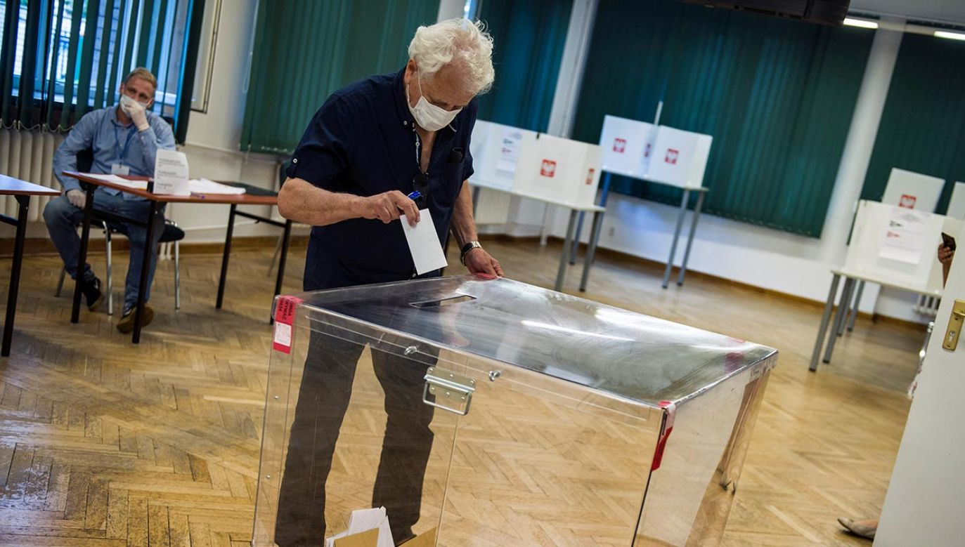 Analiza danych sondażu exit poll (fot. Attila Husejnow/SOPA Images/LightRocket via Getty Images)
