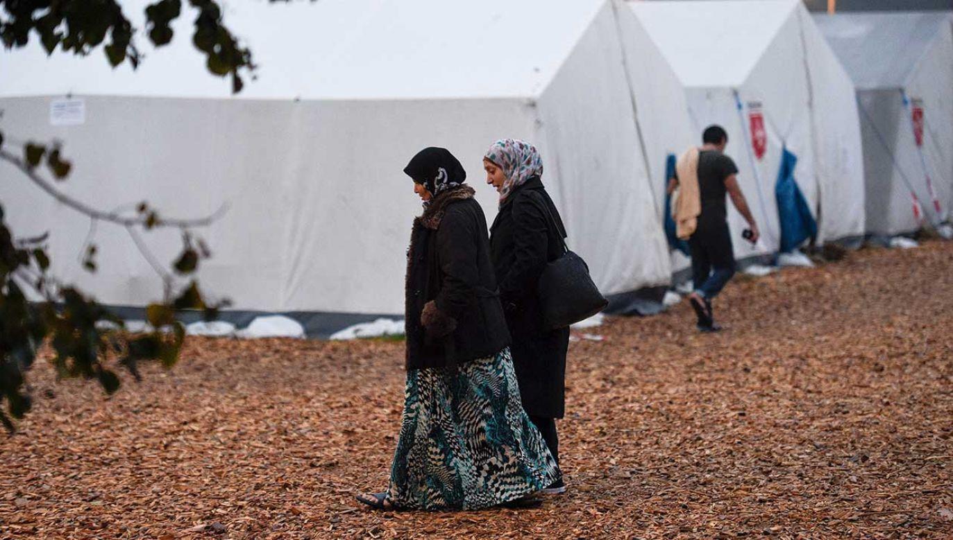 Koncepcja pozycji kobiety w świecie islamu jest taka, że znajduje się ona pod opieką mężczyzny   (fot. REUTERS/Fabian Bimmer)