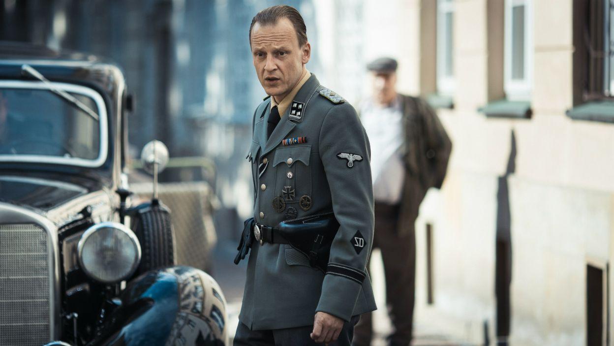 Obok Engelbrecht grają inni zagraniczni aktorzy, m.in. Martin Butzke... (fot. Bartosz Mrozowski)