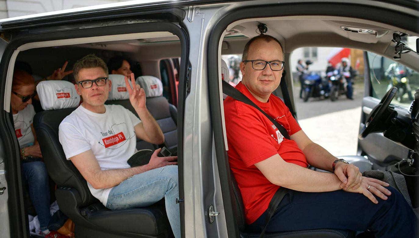 Poseł przekonuje, że wiec nie był polityczny (fot. PAP/Marcin Obara)
