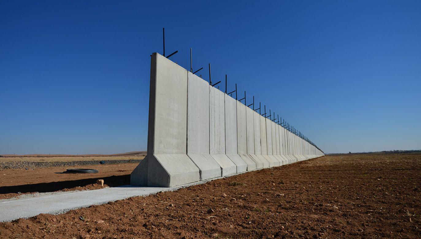 Urzędnik Hamasu powiedział, że mur ma zostać zbudowany jak najszybciej (fot. Rauf Maltas/Anadolu Agency/Getty Images)