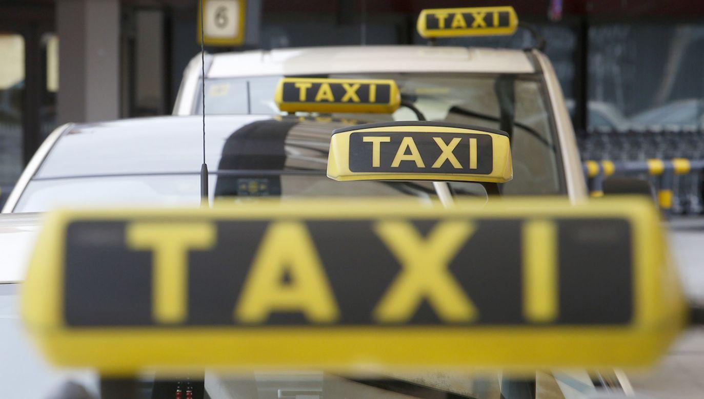 """W Berlinie rośnie liczba """"kokainowych taksówek"""" (fot. REUTERS/Fabrizio Bensch, zdjęcie ilustracyjne)"""