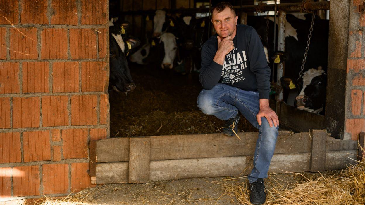 Sławomir z Wielkopolski ma 34 lata, nikt nie wygra z nim w kręgle, a z wybranką pomknie w świat na motorze  (fot. TVP)
