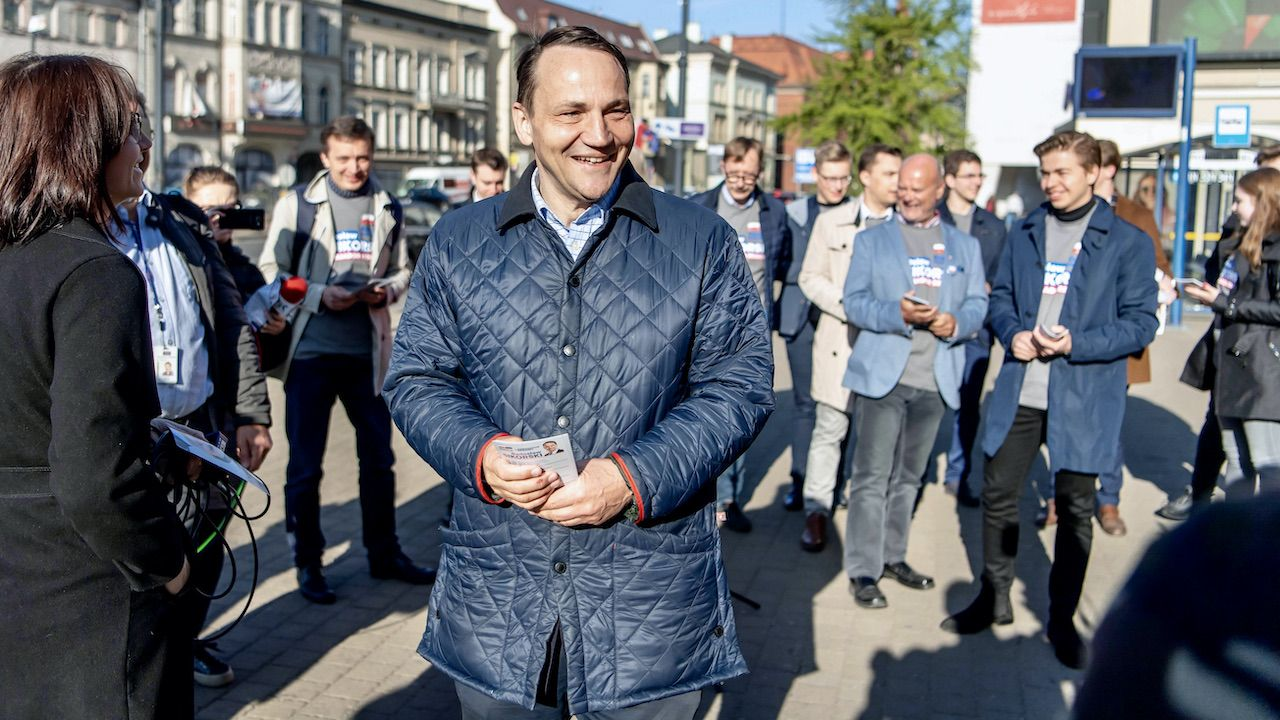 Radosław Sikorski ma propozycję dla młodych... członków PO (fot. arch.PAP/T.Żmijewski)