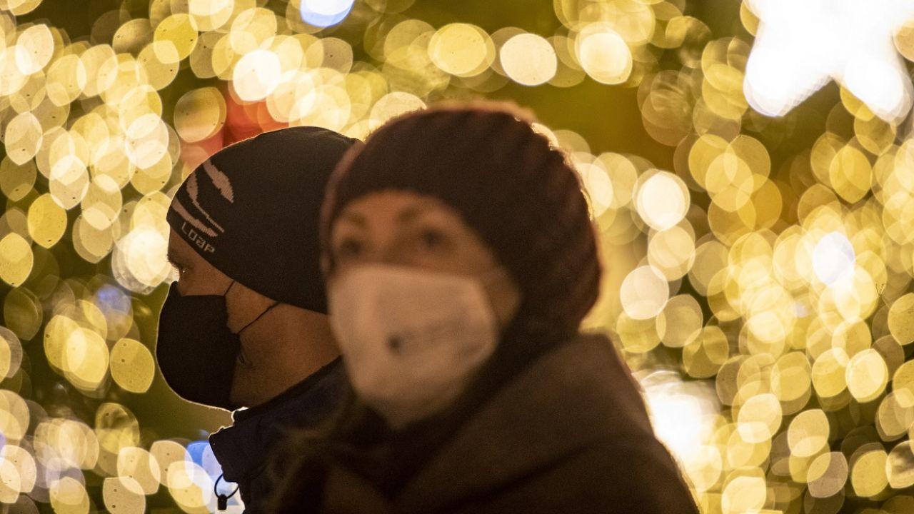 Pandemia jest groźna. Twierdzenia, że jej nie ma, są niedorzeczne (fot. PAP/EPA/Martin Divisek)