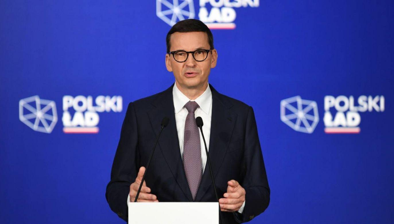 Premier Mateusz Morawiecki spotkał się z mieszkańcami Przecławia (fot. PAP/Darek Delmanowicz)