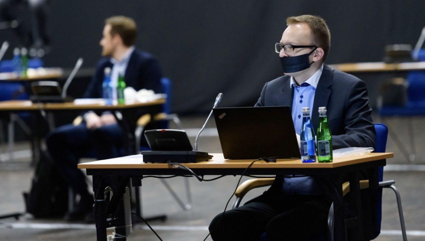 Sesja Rady Miasta Poznania, 31 marca br. (fot. PAP/Jakub Kaczmarczyk)