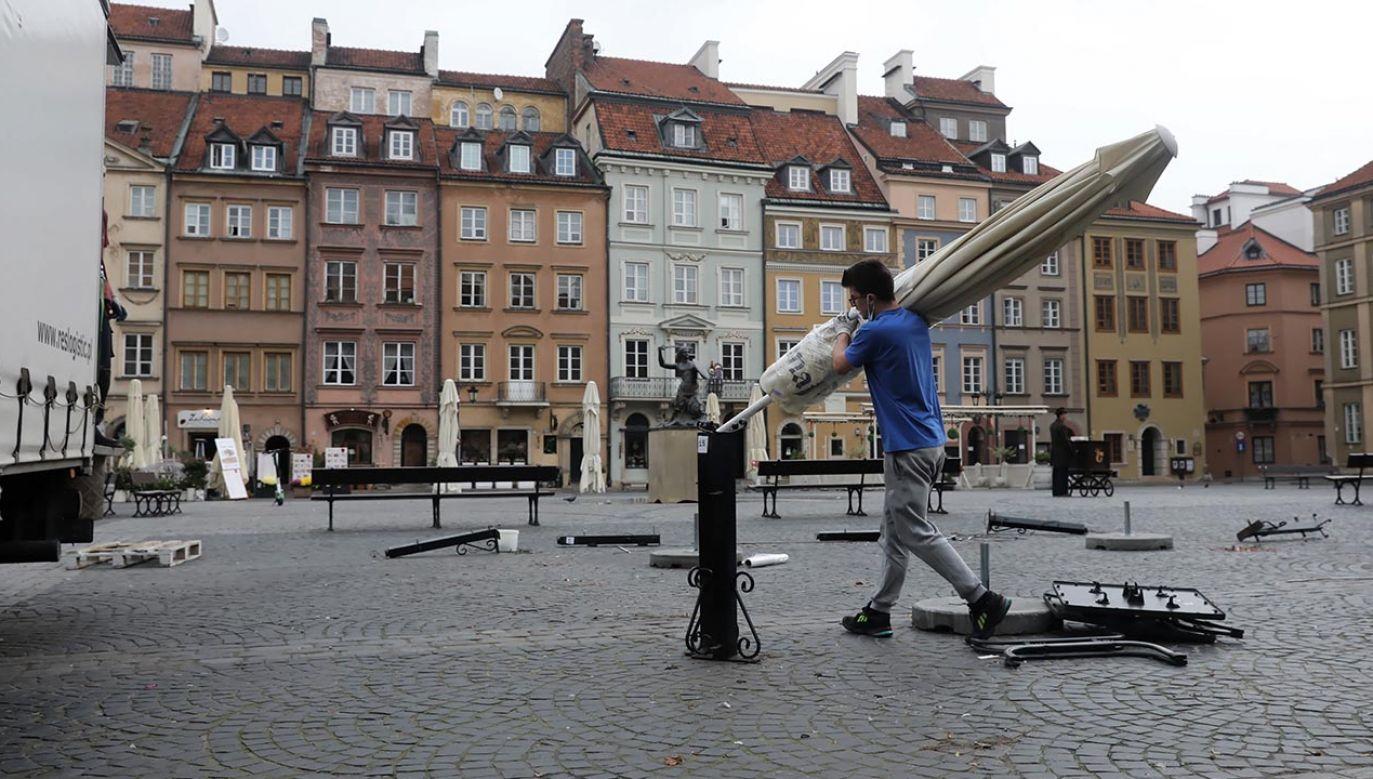 Minister ma nadzieję, że w Polsce uda się uniknąć ogólnokrajowego lockdownu (fot. PAP/Tomasz Gzell)