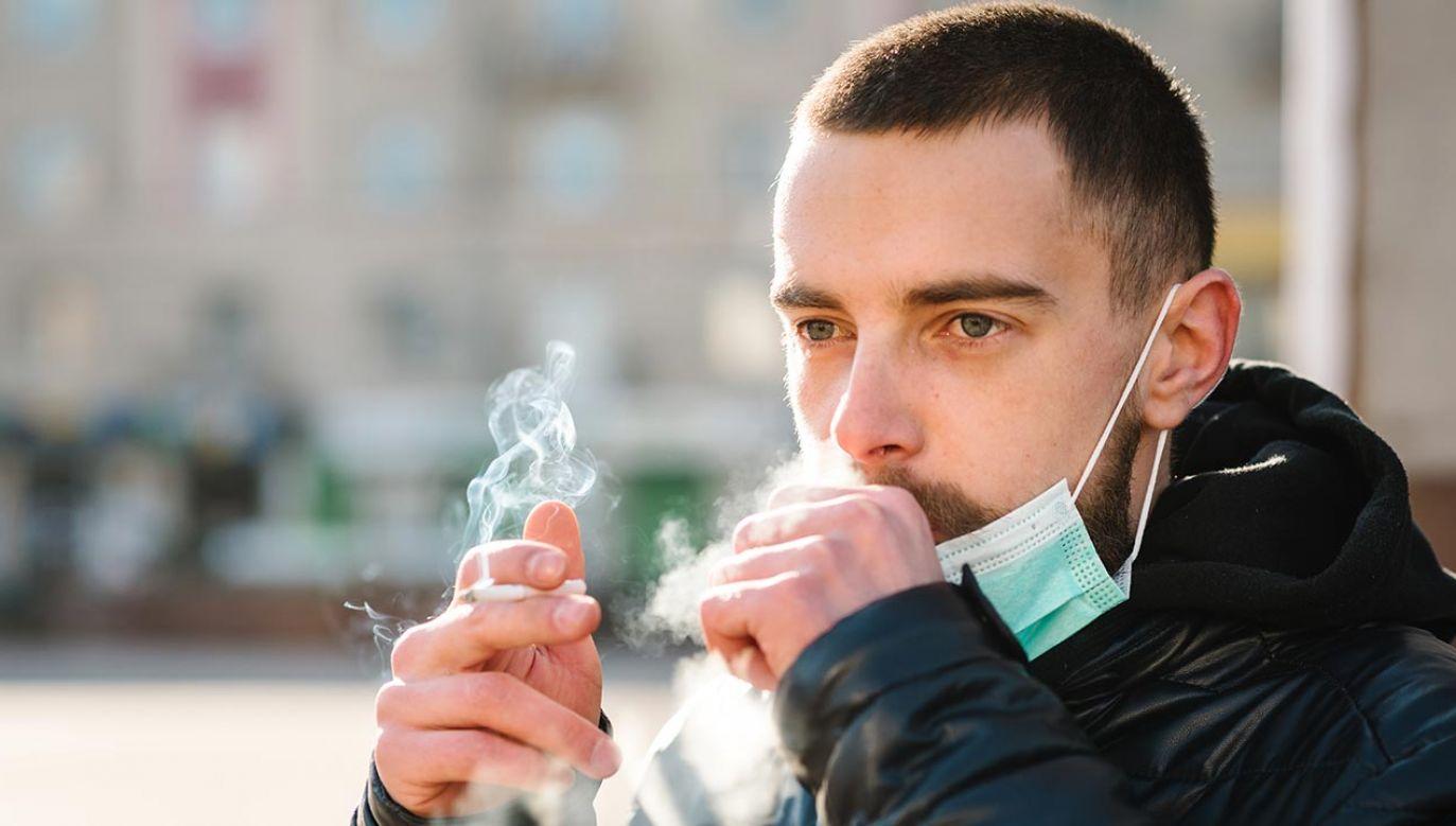 Ekspert ostrzegł, że można się uzależnić nie tylko alkoholu czy substancji psychoaktywnych (fot. Shutterstock/Sergii Sobolevskyi)