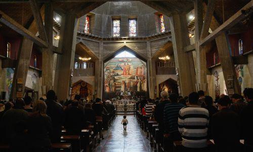 Niedzielna msza św. w Bazylice Zwiastowania. Fot. David Silverman/Getty Images