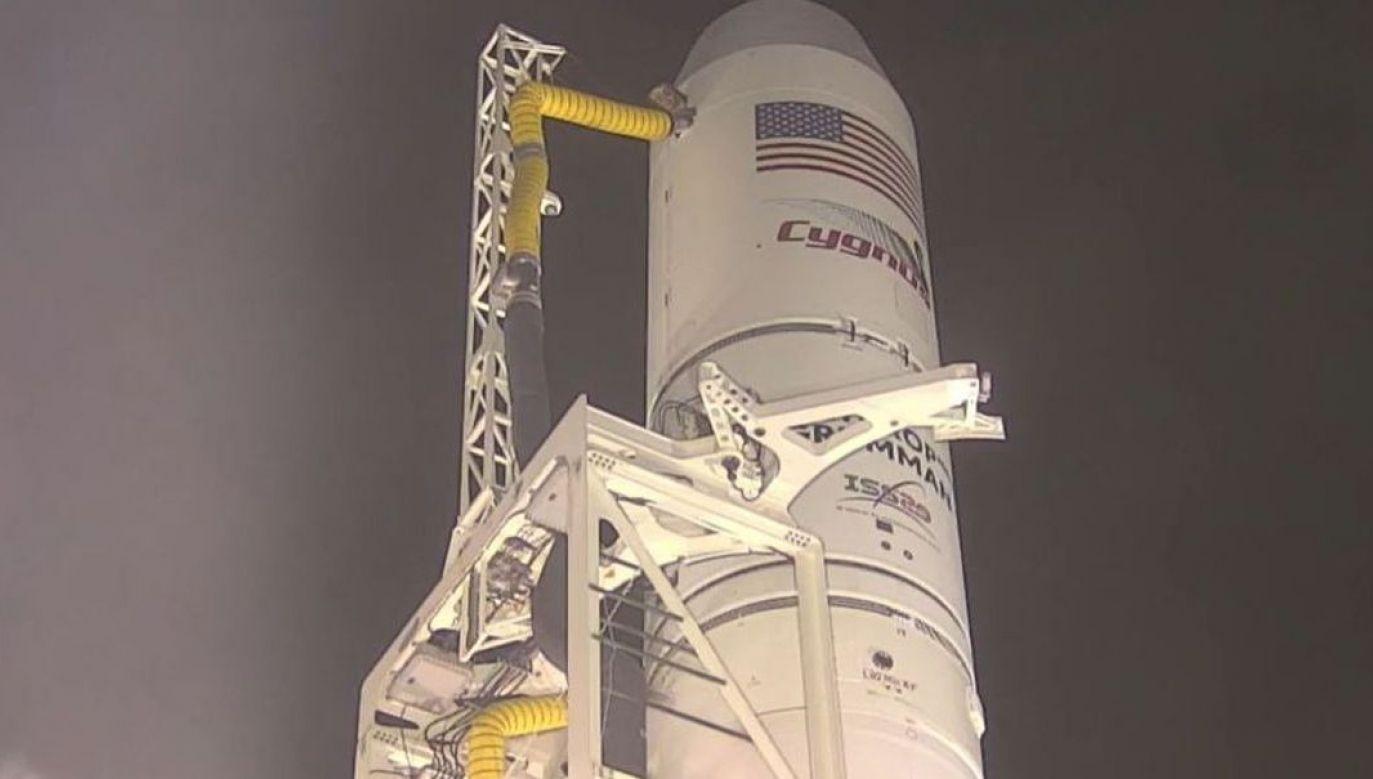 Jak poinformowano, przesyłka zawiera również zbiorniki sprężonego powietrza, które mają pomóc zrównoważyć wyciek na stacji kosmicznej (fot.NASA)