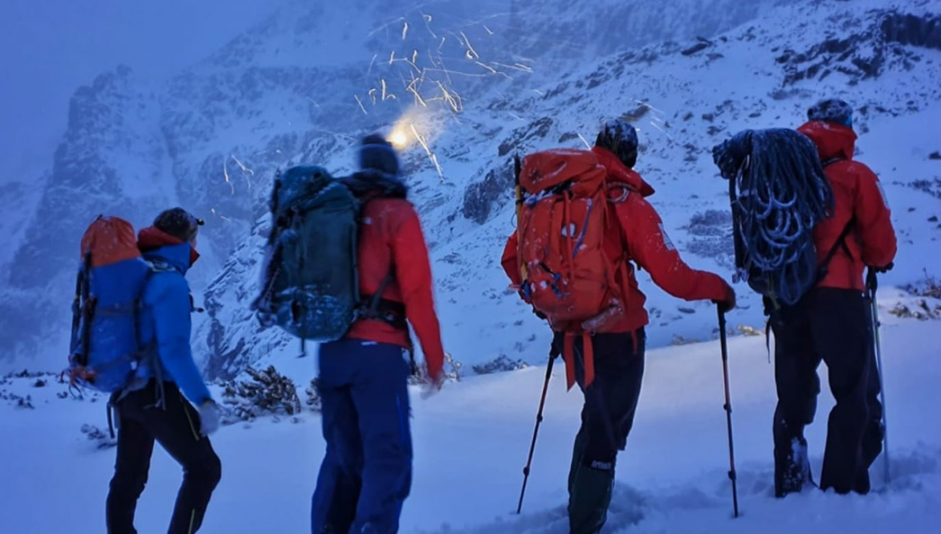 W Tatrach panują trudne, typowo zimowe warunki turystyczne (fot. Tatrzańskie Ochotnicze Pogotowie Ratunkowe - TOPR)