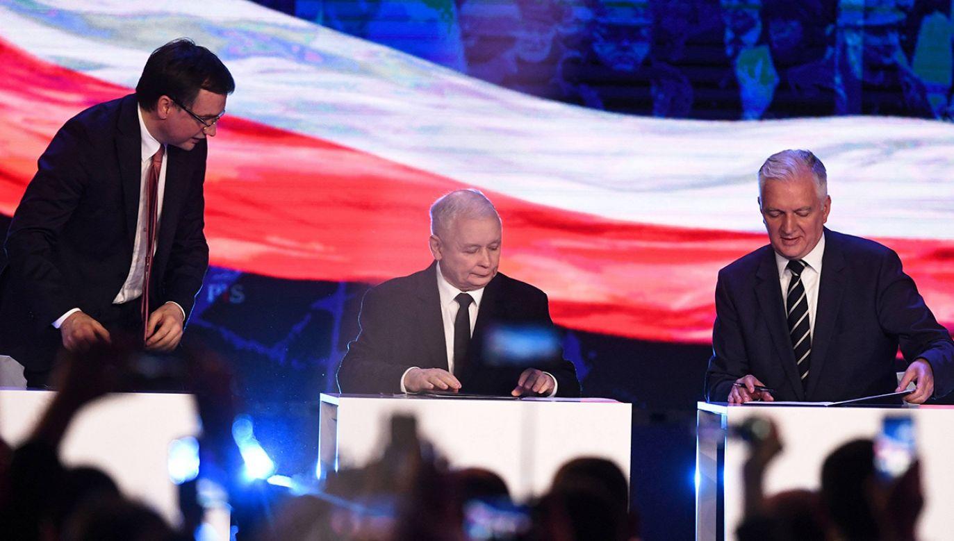 Mimo różnicy zdań ws. wyborów prezydenckich 10 maja, Zjednoczona Prawica się nie rozpadnie (fot. PAP/Bartłomiej Zborowski)