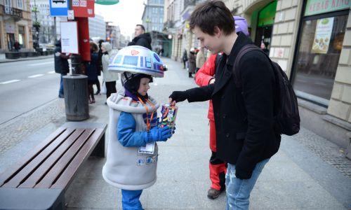 Kwesta na ulicach Warszawy (fot. PAP/Jacek Turczyk)