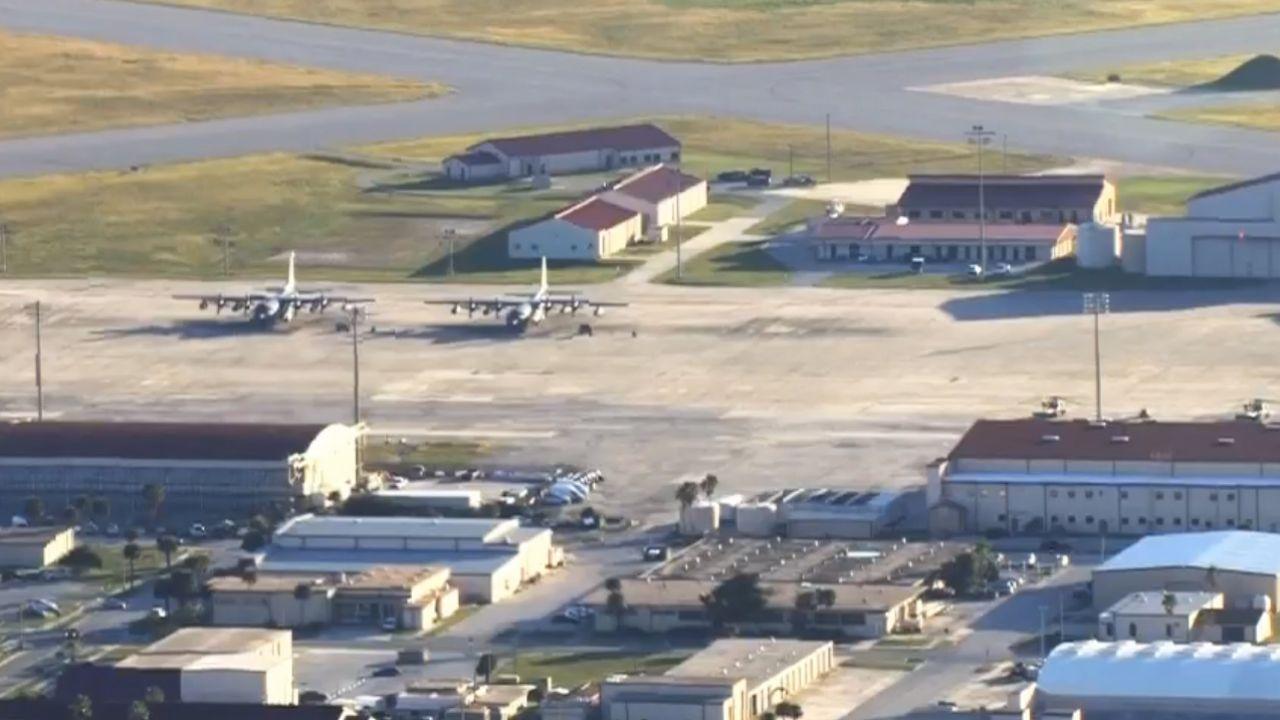W bazie lotniczej Patrick Air Force Base na Florydzie ogłoszono zagrożenie bombowe (fot. Twitter/@WESH)