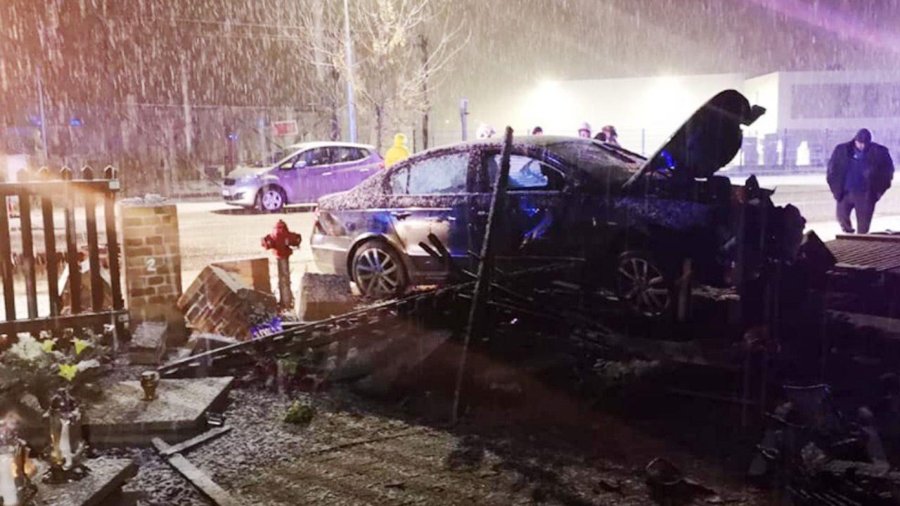 Kierowca był pod wpływem alkoholu (fot. Facebook/Komenda Powiatowa Policji w Szamotułach)