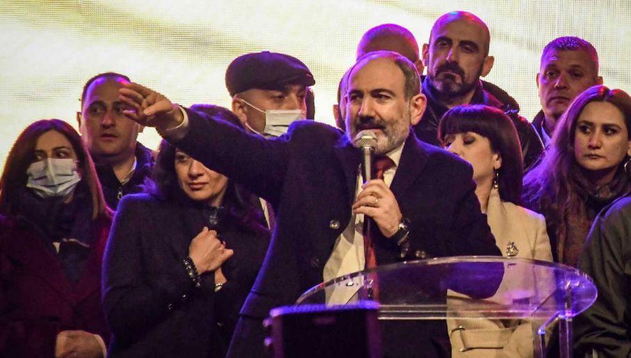 Premier Armenii Nikol Paszynian (fot. PAP/EPA/NAREK ALEKSANYAN)