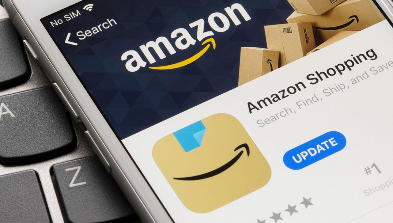Logo aplikacji firmy Amazon budziło niedobre skojarzenia (fot. Shutterstock/Tada Images)