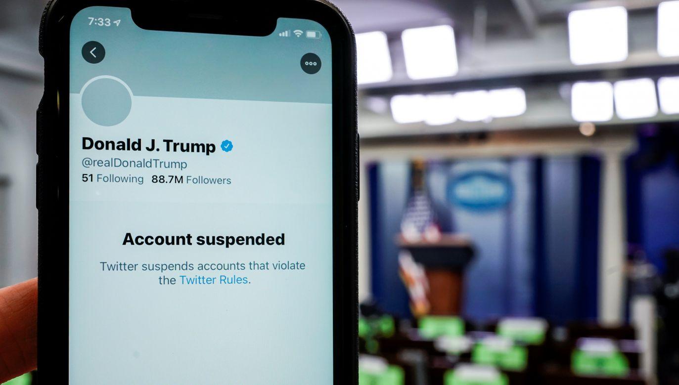 Przed tygodniem, w środę 6 stycznia tłum zwolenników Trumpa wtargnął na Kapitol (fot. Joshua Roberts/Reuters)