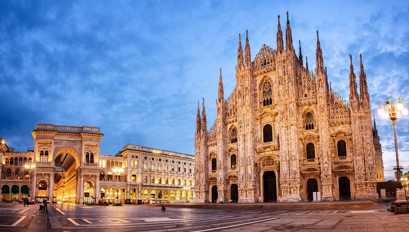 Katedra w Mediolanie zamknięta dla turystów (fot. Shutterstock/Boris Stroujko)