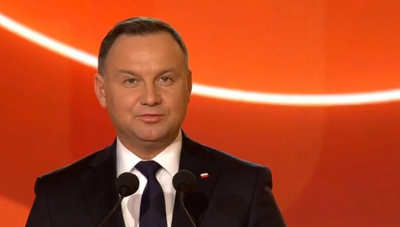 Prezydent podziękował także obecnemu prezesowi PZPN Zbigniewowi Bońkowi  (fot. TVPinfo)
