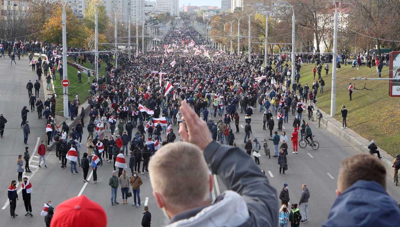 Protesty na Białorusi nie ustają (fot. PAP/EPA/STR)