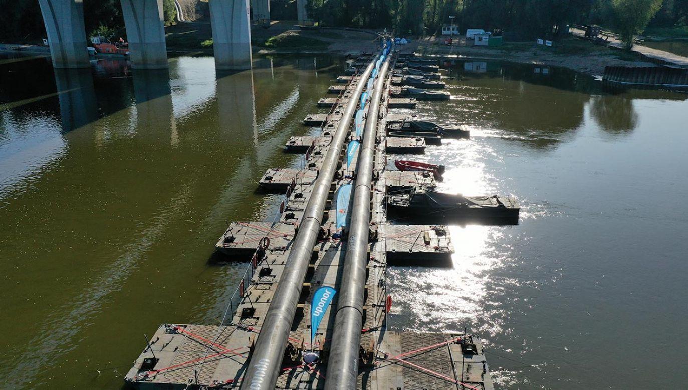 Od 16 października most jest rozebrany, a ścieki ponownie trafiają do Wisły (fot. PAP/Leszek Szymański)