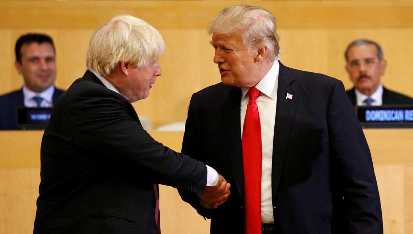 Amerykański prezydent pogratulował Borisowi Johnsonowi (fot. REUTERS/Kevin Lamarque)