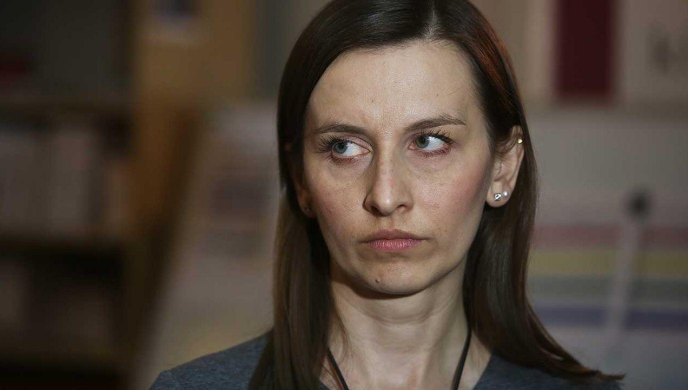 Sylwia Spurek tłumaczy się na Twitterze ze swojego paska (fot.  PAP/Rafał Guz)