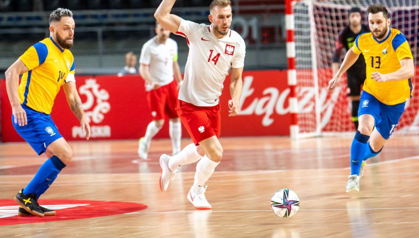 Reprezentacja Polski w futsalu przegrała z Brazylią 1:4 (fot. PAP)