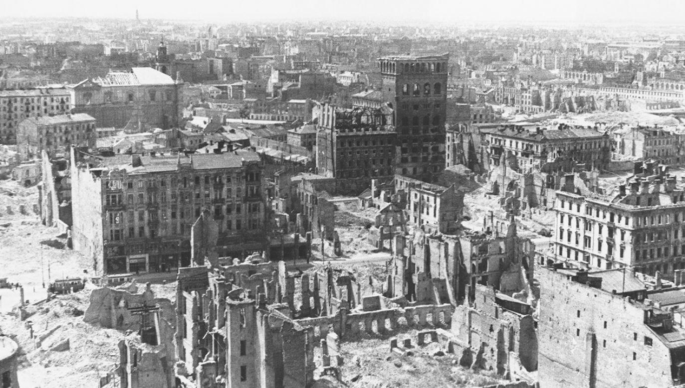 Niemcy wciąż nie chcą rozmawiać z Polską na temat reparacji wojennych (fot.  Hulton-Deutsch Collection/CORBIS/Corbis via Getty Images)