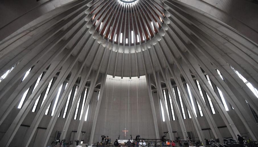 Bryła świątyni to rotunda zwieńczona owalną kopułą (fot. PAP/Bartłomiej Zborowski)