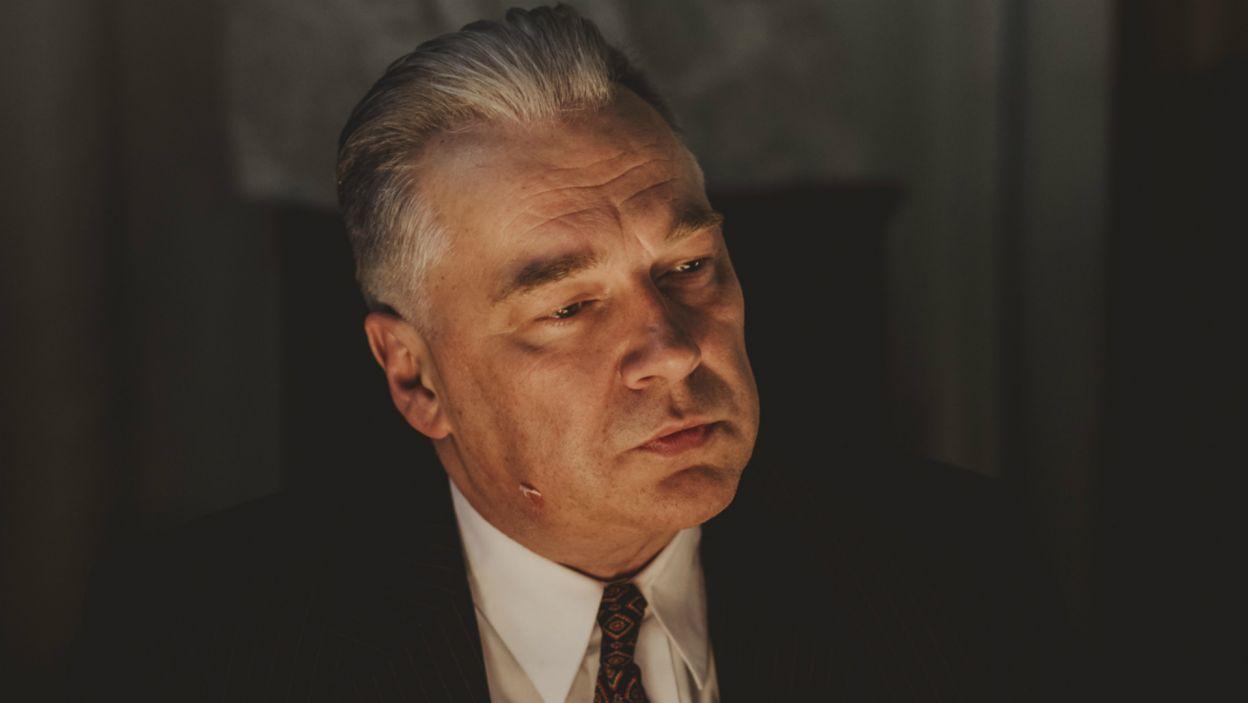W rolę Edwarda Gierka, jeszcze się wahającego, ale w sumie bezwzględnego stratega, który wie czego chce wcielił się Zbigniew Stryj (fot. Stanisław Loba/TVP)