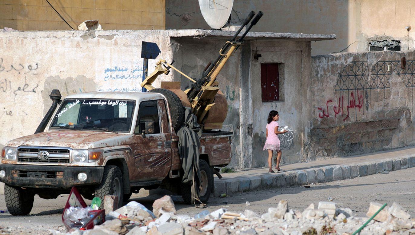 Do tej  pory wycofało się ok. 800 bojowników kurdyjskich (fot. REUTERS/Khalil Ashawi)