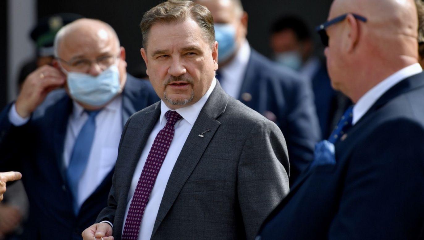 """Piotr Duda: Proponuję tym, wszystkim, którzy chcą zakładać """"nową solidarność"""", mam dla nich nazwę. Proponuję, żeby się nazwali nazwać """"Nowa Czajka"""", byłoby lepiej i na czasie(fot.PAP/Marcin Bielecki)"""