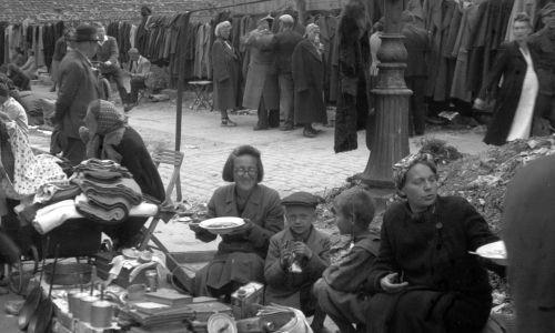 1945. Fot. PAP/Karol Szczeciński